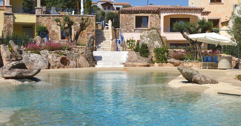 piscina effetto spiaggia